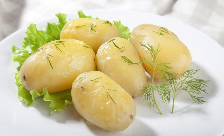 Dietă cu cartofi și iaurt – Te ajută să slăbești până la 5 kilograme în 3 zile