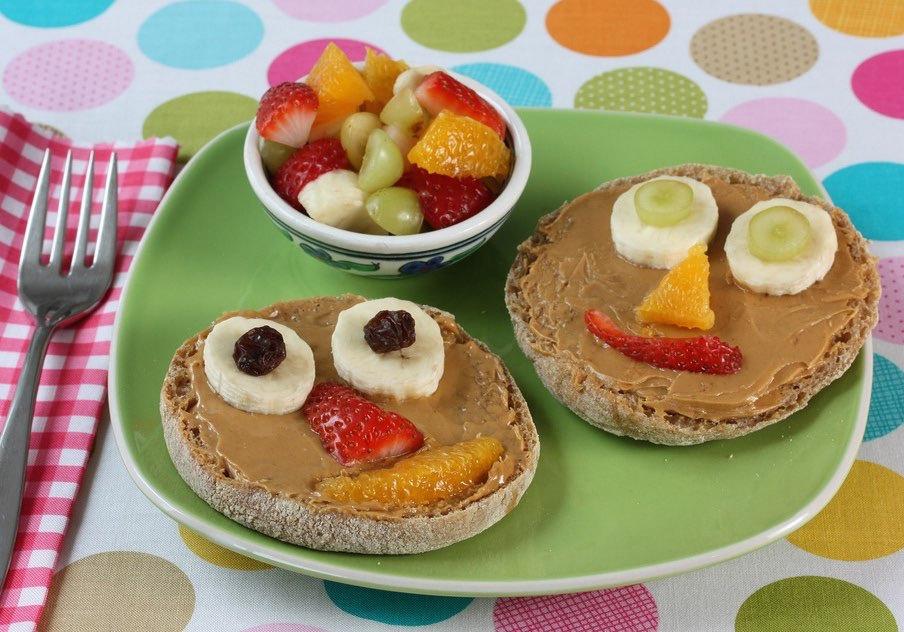 Top 18 alimente super sănătoase pentru copiii tăi