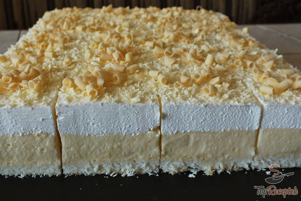 Prăjitură ultra cremoasă și pufoasă – Se prepară din 8 ouă, 8 linguri făină, 200g unt și…