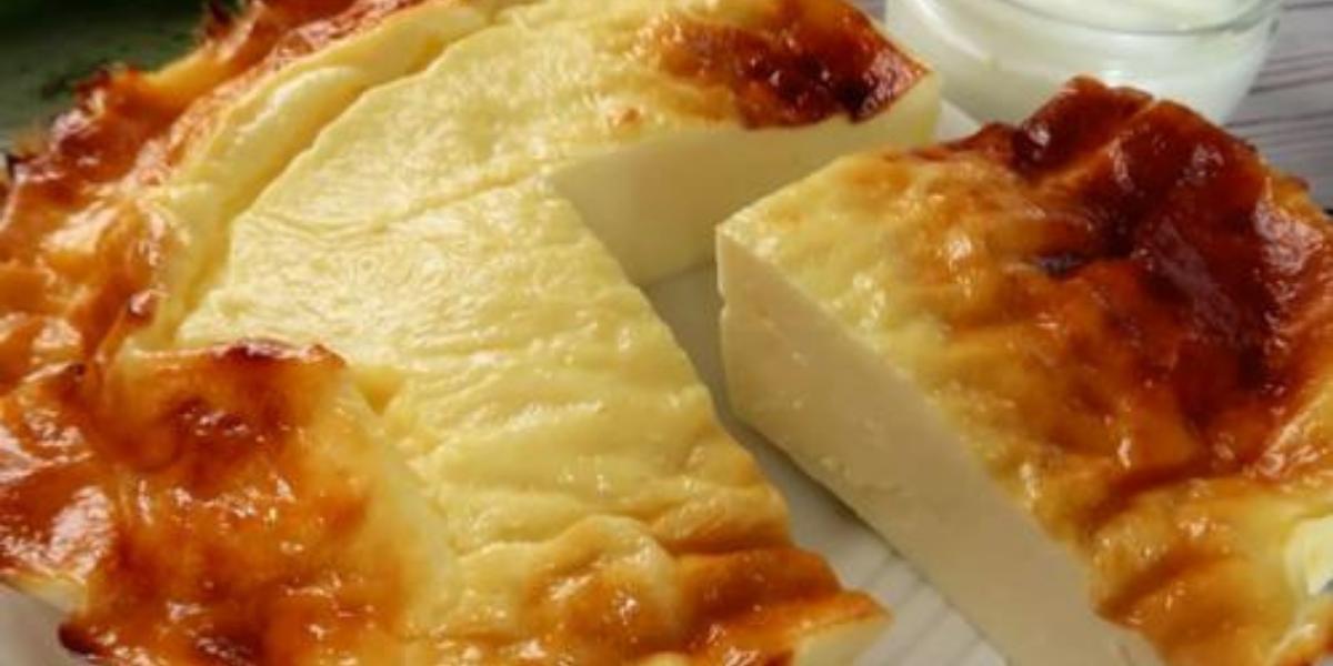 """Prăjitură """"Iaurt copt"""" fără făină și zahăr – hitul acestei veri!"""