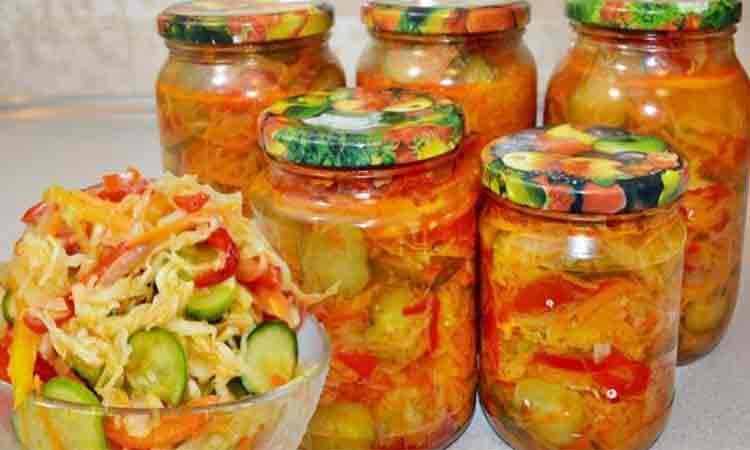 Salata de varza si castraveti pentru iarna