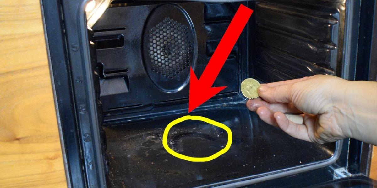 Cum să curățați cuptorul de arsuri și grăsime cu ajutorul a 2 trucuri incredibil de bune!