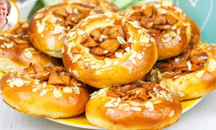 Gogosi cu umplutura de mere: In 25 de minute la cuptor sunt gata